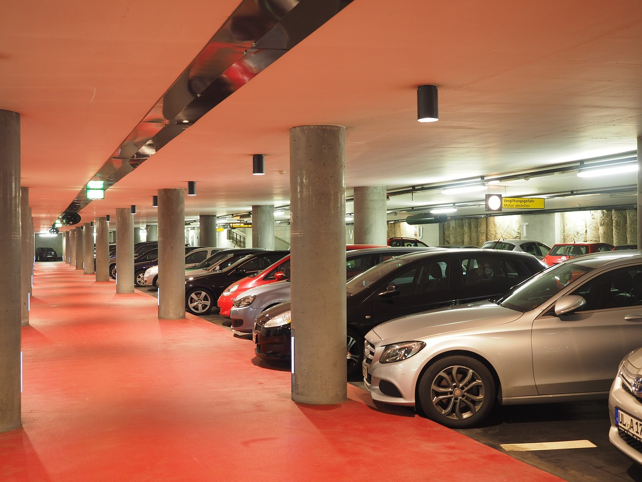 multi-storey-car-park-1271918_1280