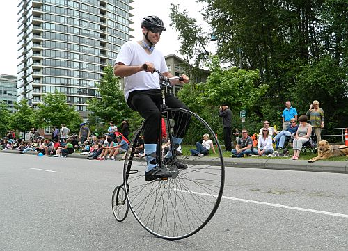vancouver mom blogger thewritemama unicycle